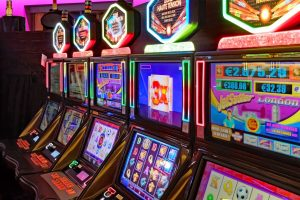 How do slot games work and what are their variations?